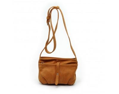 Petit sac bandoulière  Composition : CUIR Nubuck doublure : textile  Dimensions : -hauteur 15 cm -largeur 22 cm -épais