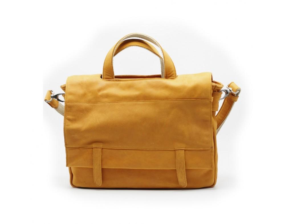 SAC PORTE DOCUMENTS Composition : CUIR Eco-responsable doublure : textile  Dimension : -hauteur 29 cm -largeur 38 cm -é