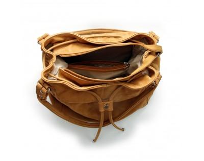 SAC SEAU  Composition : CUIR Scintillant Doublure : textile  Dimensions : -hauteur 29 cm -largeur 35 cm -profondeur 17