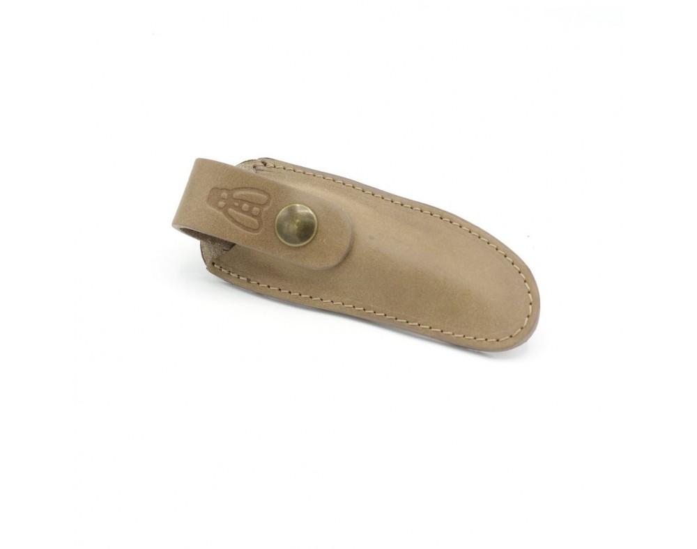 Etui pour couteaux Laguiole 11 a 12 cm Se fixe à la ceinture ou a une bretelle de sac sans avoir a le dégrafer. Système